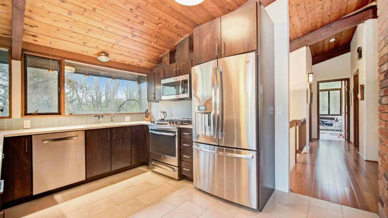 4194 Thornoaks Dr kitchen perspective
