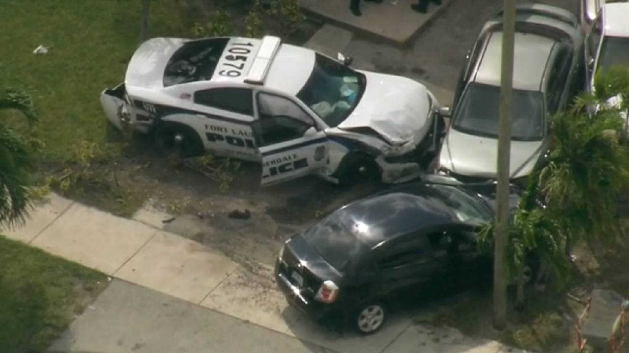 crashed fort lauderdale police car during chase