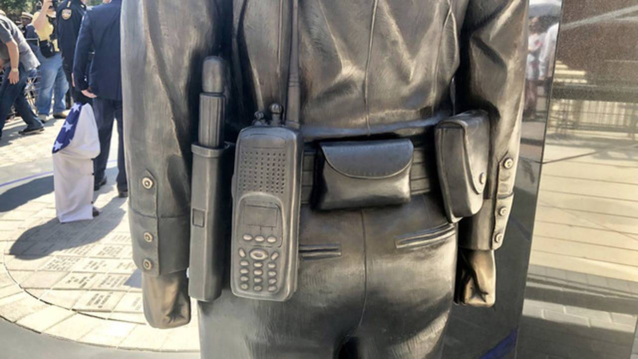 Officer-statue-detail_1524771889887.jpg