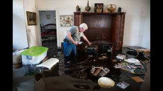 Photos: South Carolina residents continue to deal with flooding