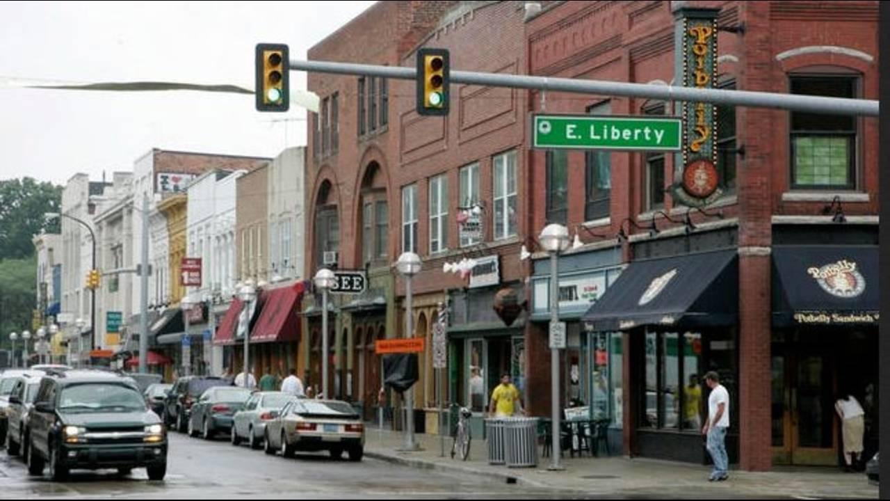 Downtown Ann Arbor_16287972
