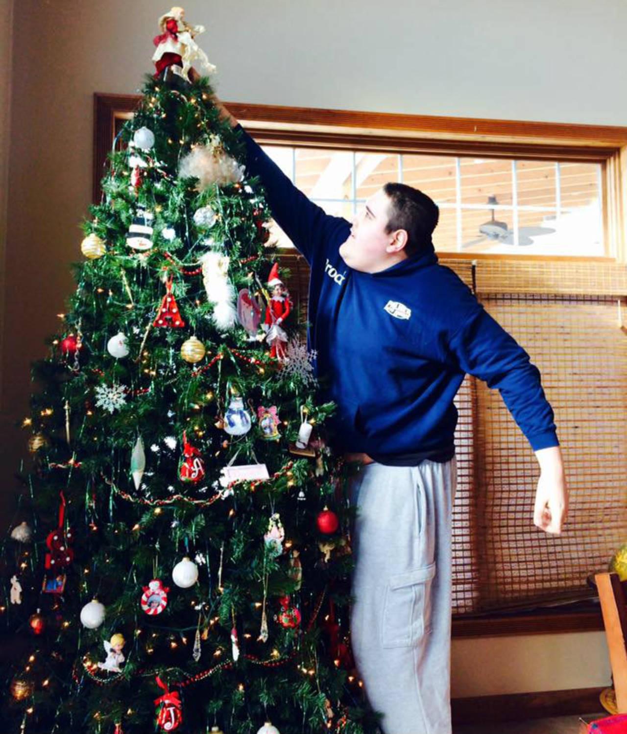broc1_ChristmasTree.jpg