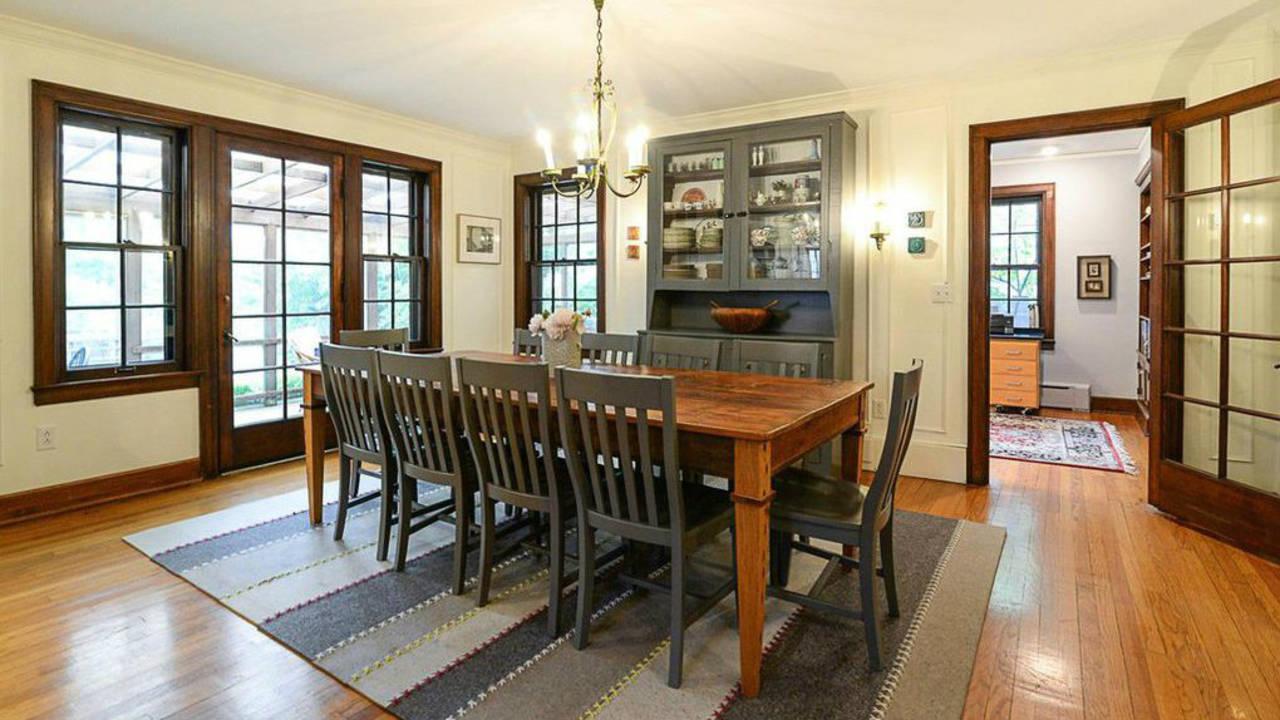 2023 Seneca Ave dining room