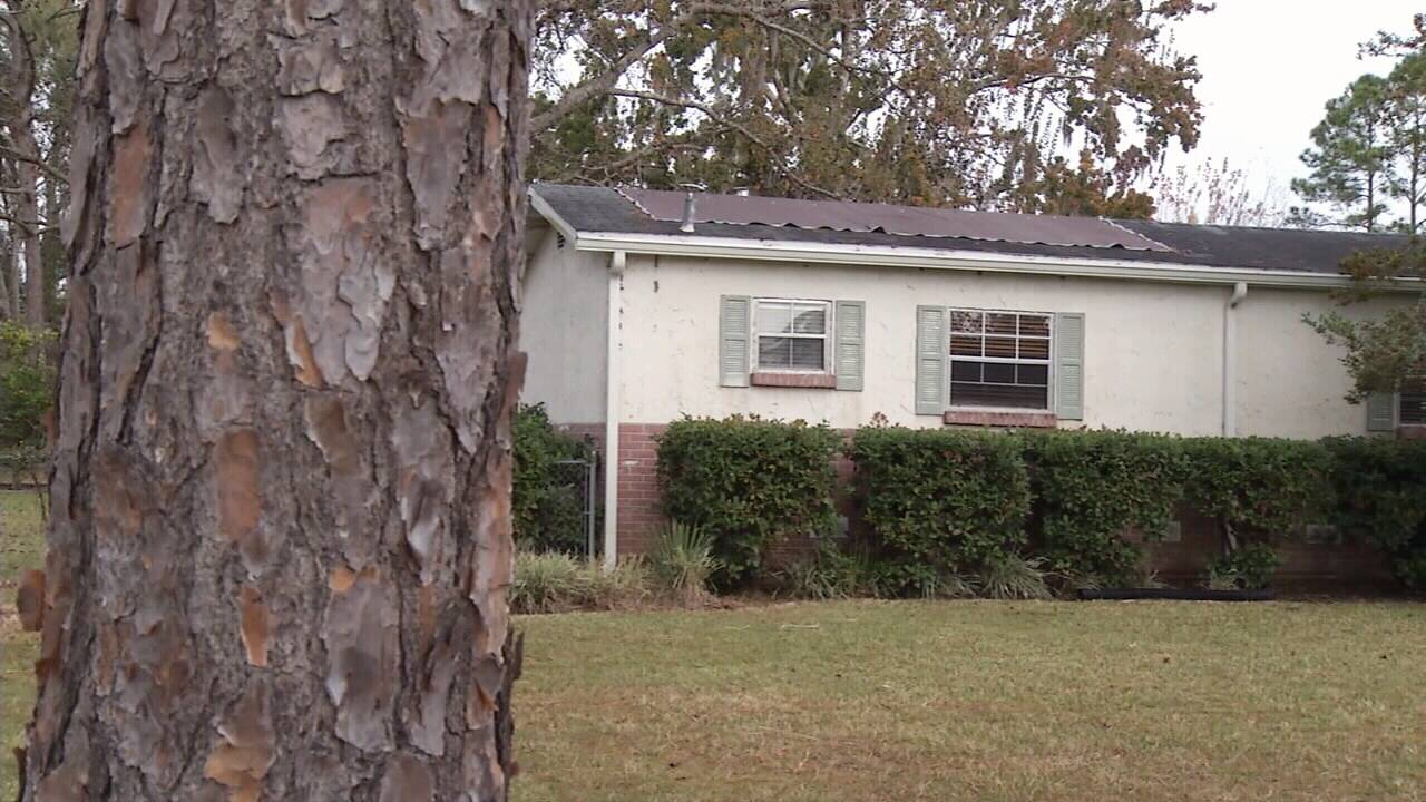 Complaints about roofer highlight loophole in Florida