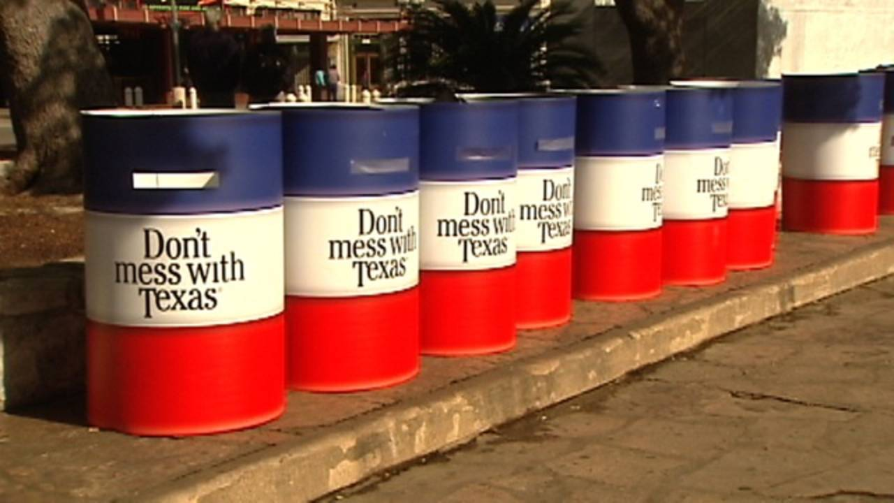 Don't Mess with Texas barrels_90255