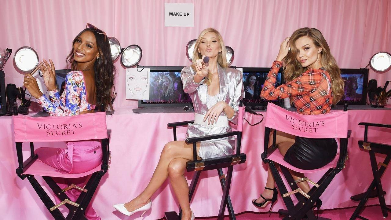 Behind The Scenes Of The Victoria S Secret Fashion Show