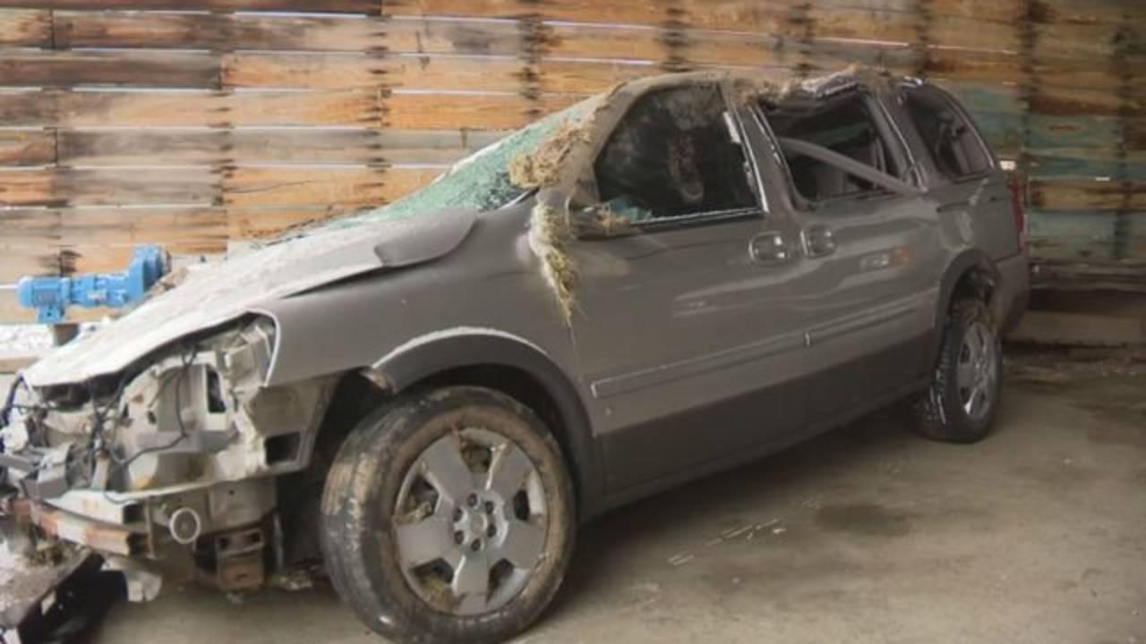 Livingston County deputy hurt road rage minivan