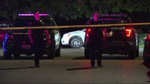 Man shot in head, another injured after shooting in southwest Houston