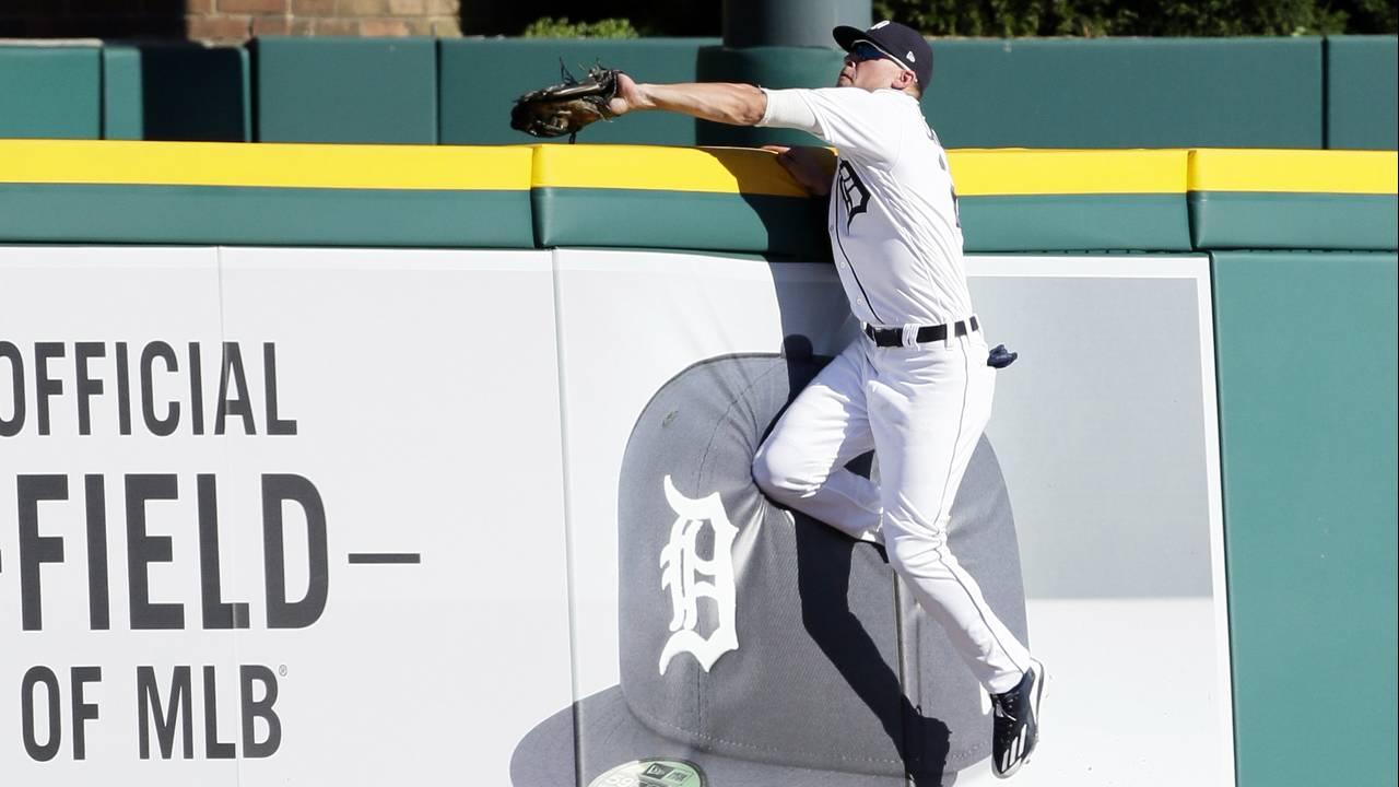 JaCoby Jones robs home run_1531030509071.jpg.jpg