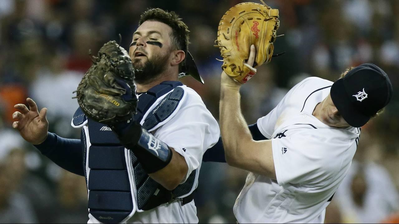 Brandon Dixon Bobby Wilson collide popup Detroit Tigers 2019