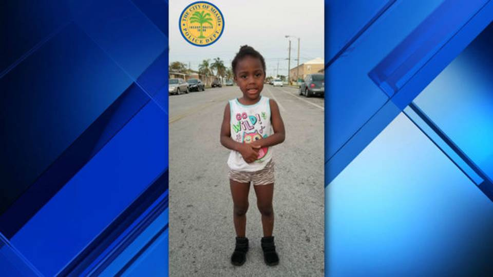 Toddler found wandering Miami police 2