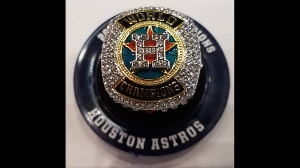 Real Astros replica ring_1529494367667.jpg.jpg