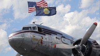 WWII-era plane to deliver aid to Bahamas