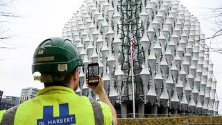Billion dollar US embassy opens in London