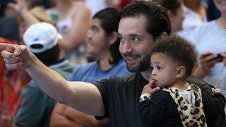 Alexis Ohanian Sr. Wants to Join Facebook Groups for Natural Hair Care Tips