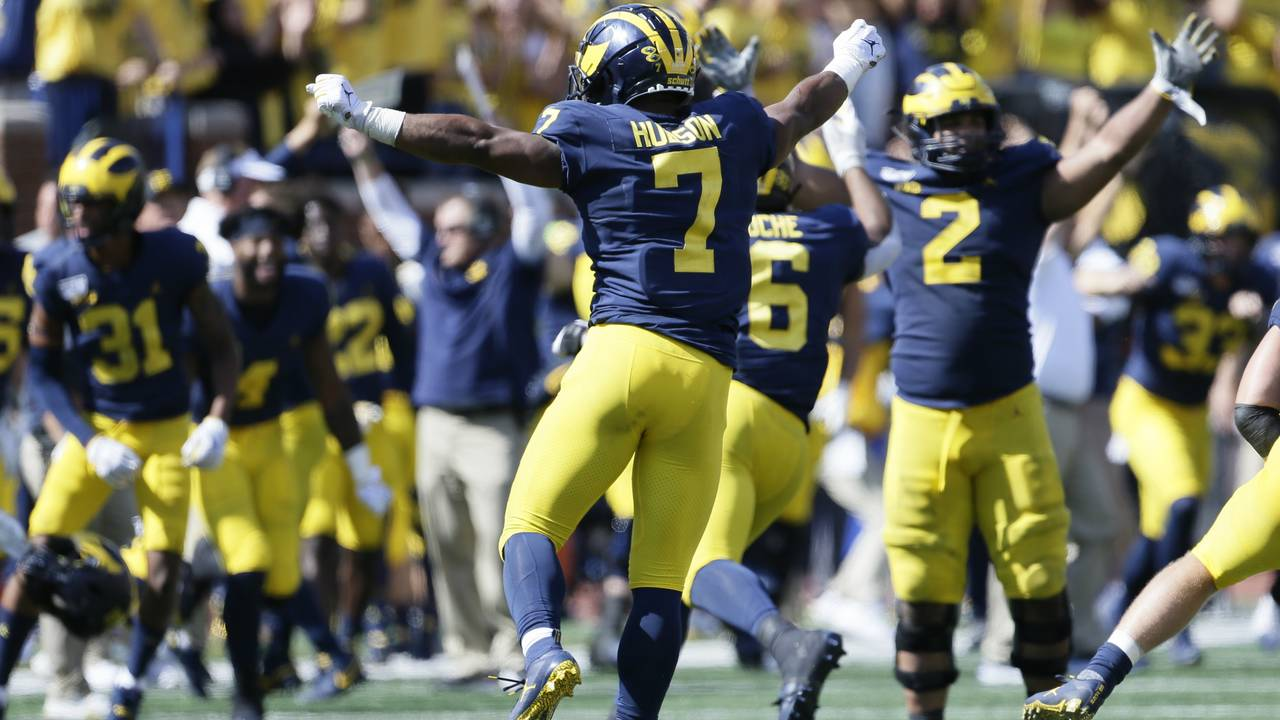 Khaleke Hudson Michigan football celebrates win vs Army 2019