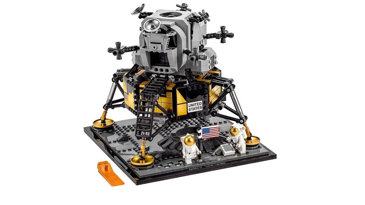 LEGO apollo 11 set_1563213019873.jpg.jpg