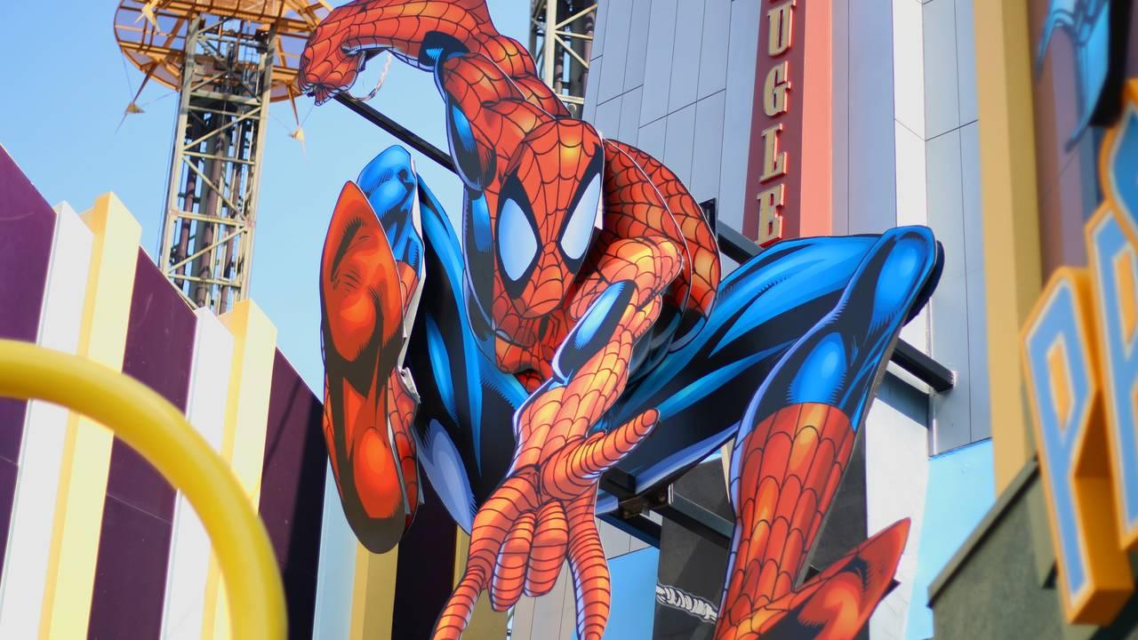 Metevia_universal spiderman.jpg