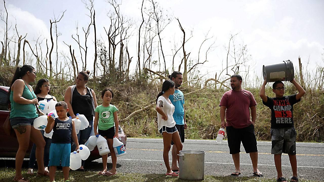 Puerto Rico water line93829664-75042528