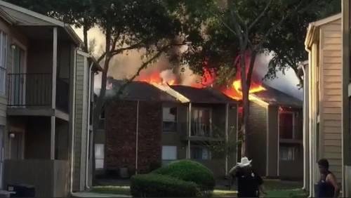 Fire destroys 8 second-floor units at Humble apartment complex