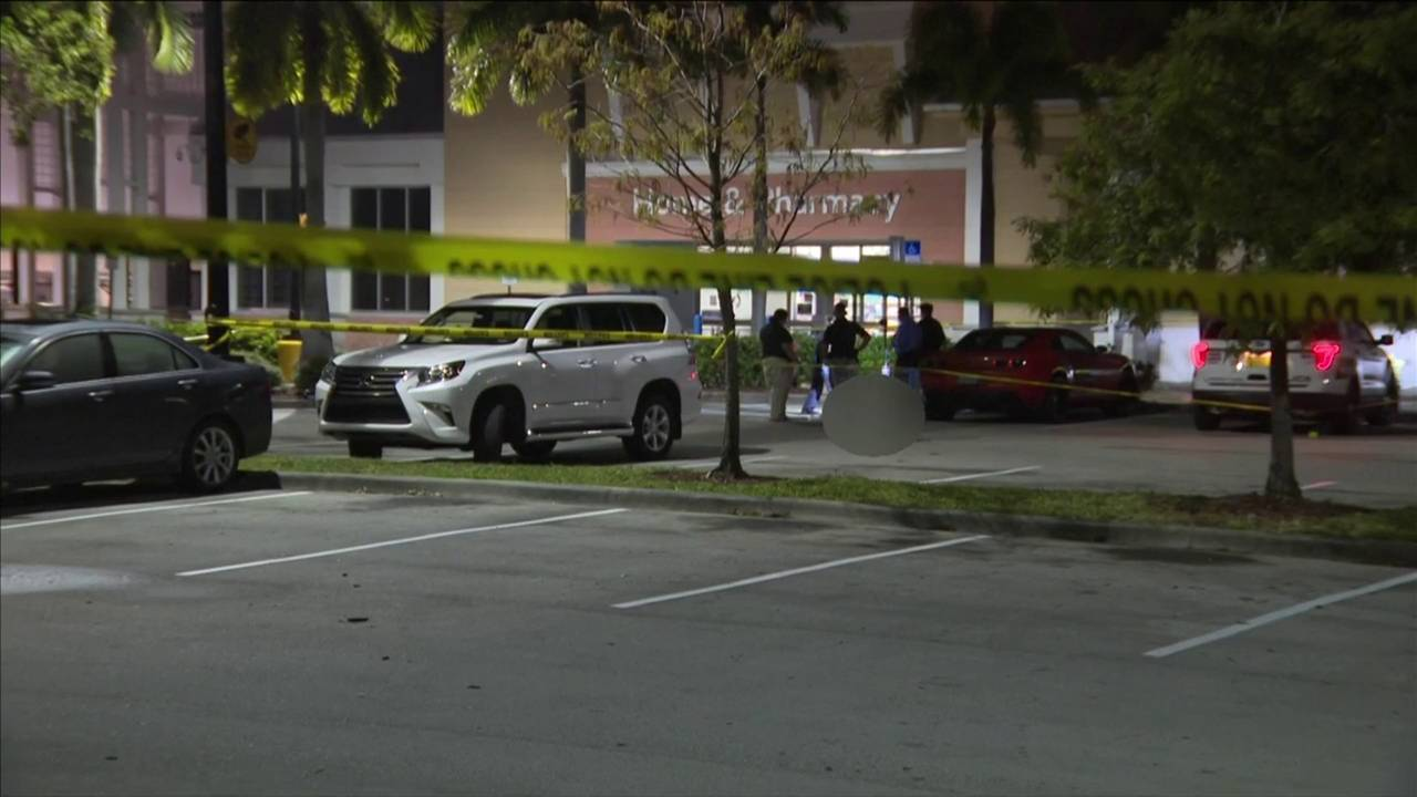 Man killed outside Walmart in Coconut Creek, police say20181012172602.jpg