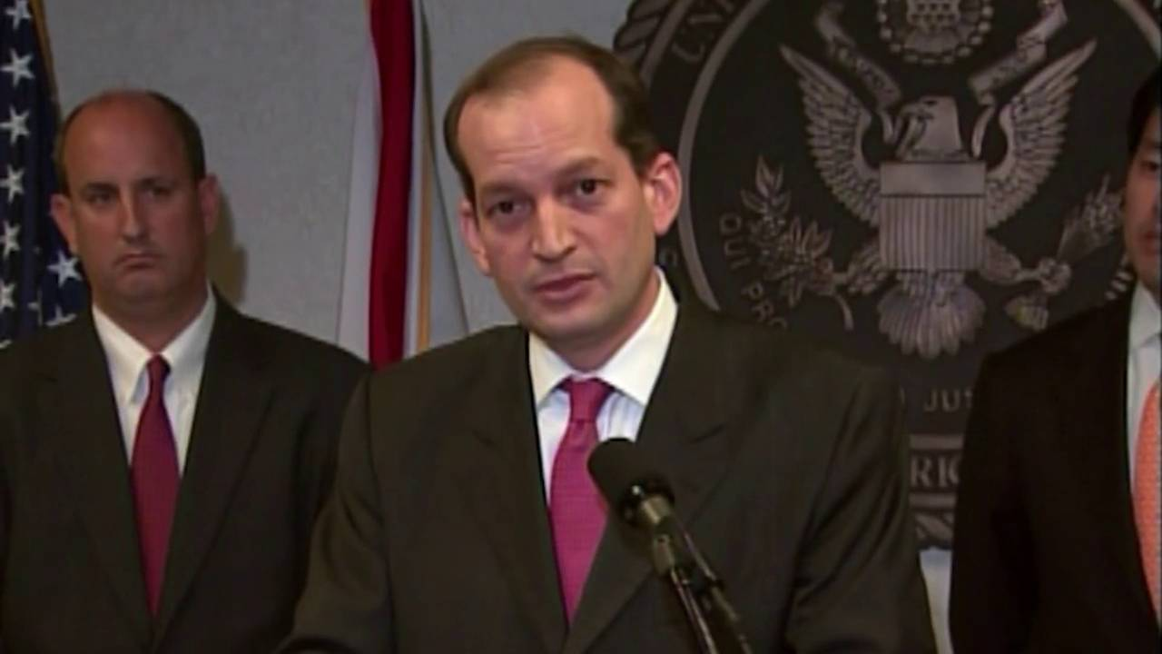 'It's clear Alexander Acosta should resign,' Miami Herald writes20181207222920.jpg