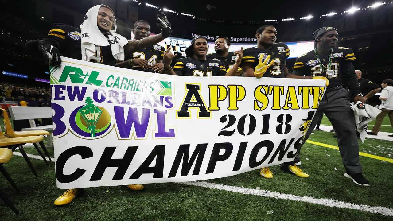 Appalachian State Mountaineers celebrate 2018 New Orleans Bowl victory