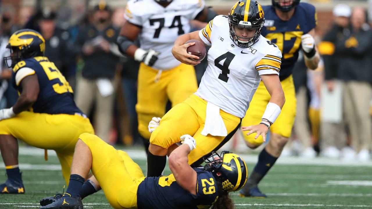 Jordan Glasgow sack Michigan football vs Iowa 2019