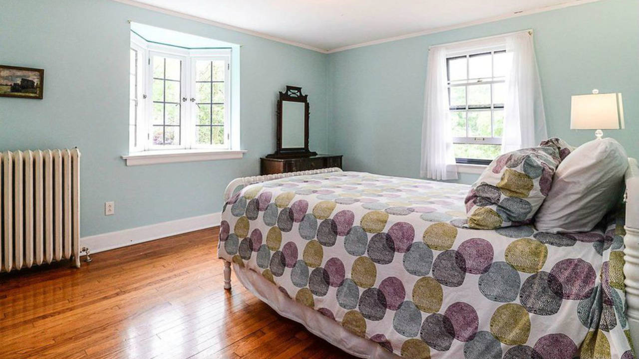 2023 Seneca Ave second bedroom