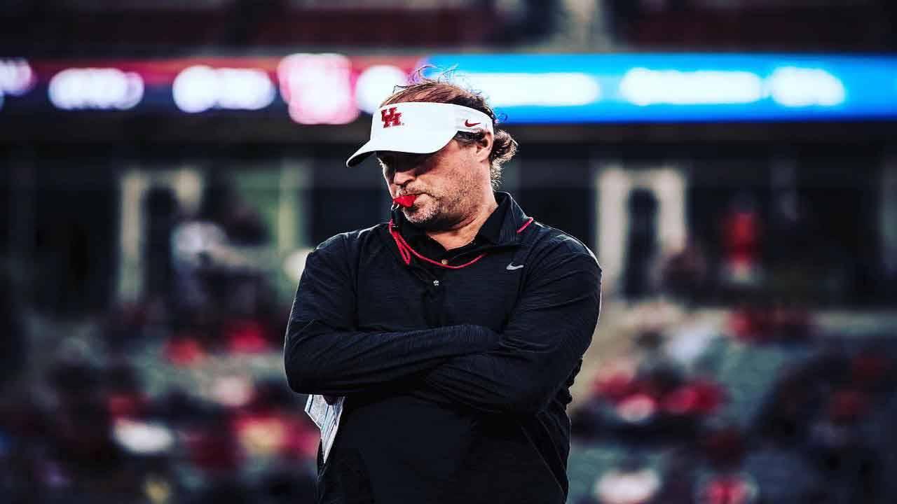 Houston Cougars head coach Dana Holgorsen