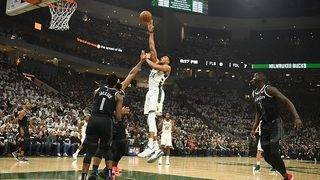 Bucks beat Pistons in Game 2