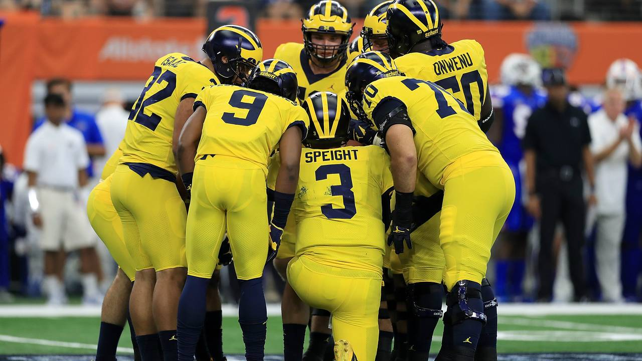 Wilton Speight Michigan football huddle vs Florida 2017