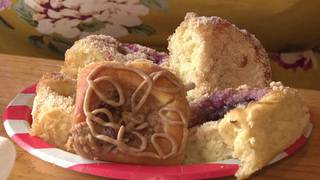 Why these fruit kolaches are worth the drive to Floresville