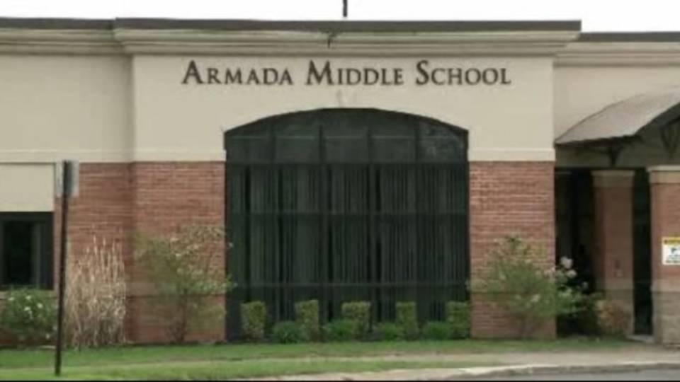Armada Middle School_26081984