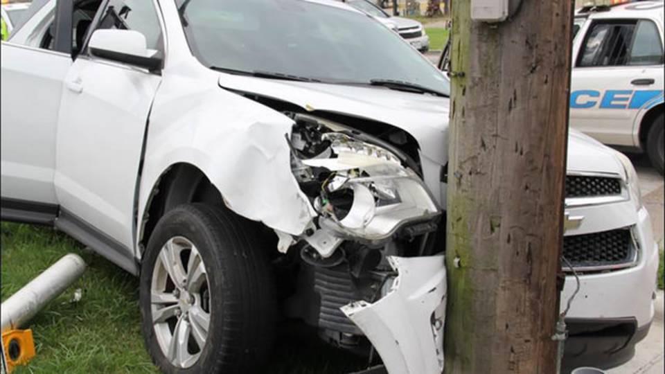crashed vehicle 3 bank jugging