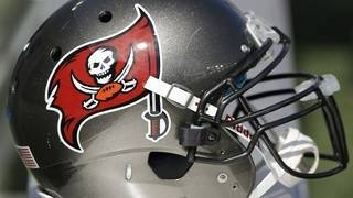 Teen lands signed Bucs jersey over wrong number text