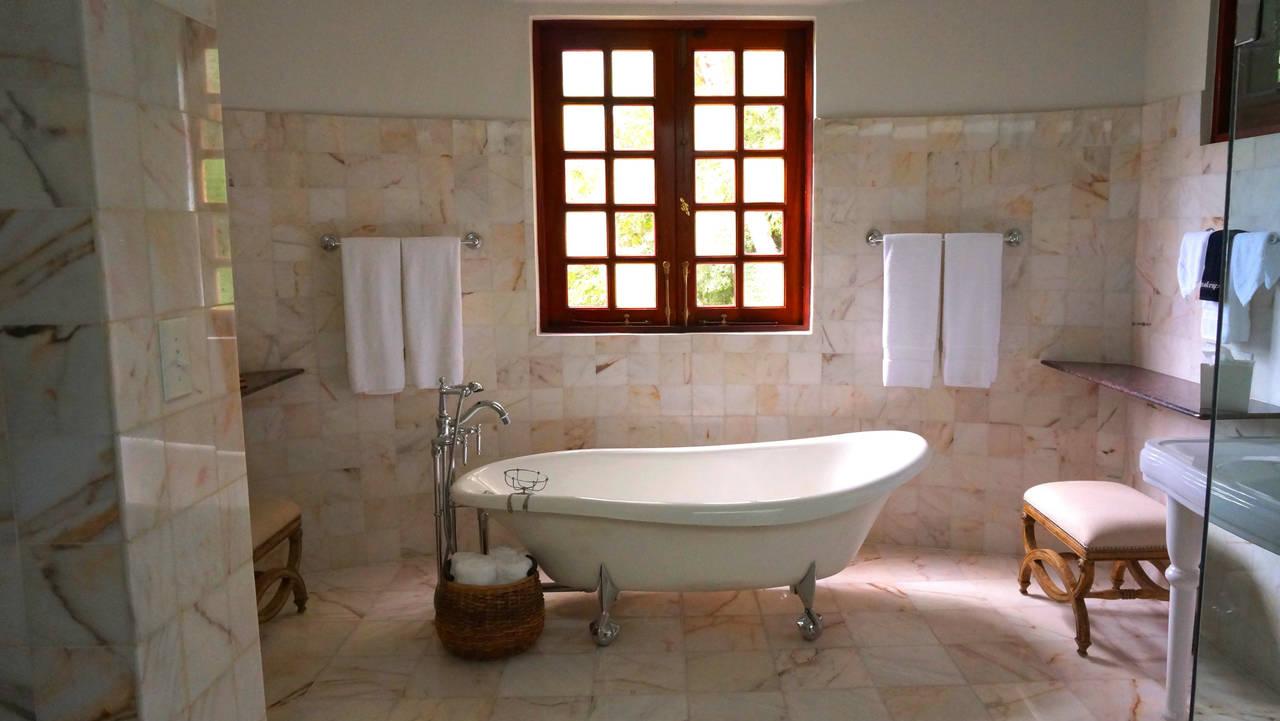 bathtub-generic.jpg