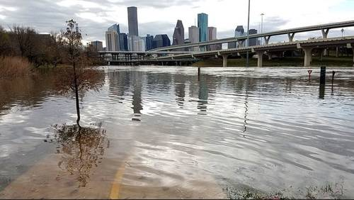 Powerful storms flood roads, cause damage in Houston area