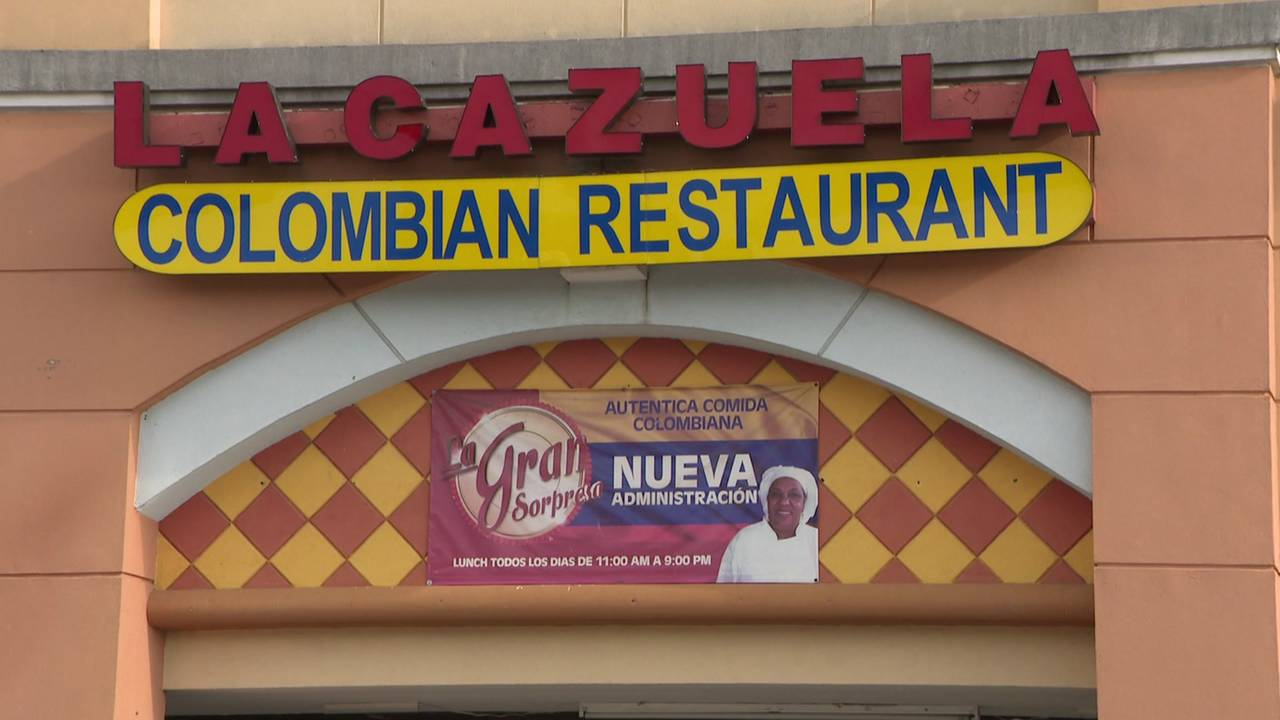 La Cazuela Colombian Restaurant - 9544 Richmond