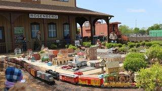 12 of the best train adventures for Houston kids who love locomotives