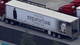 Workers prepare for Taylor Swift's Saturday concert