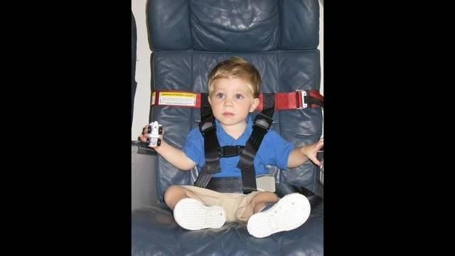 Children-airplane.jpg_13782232