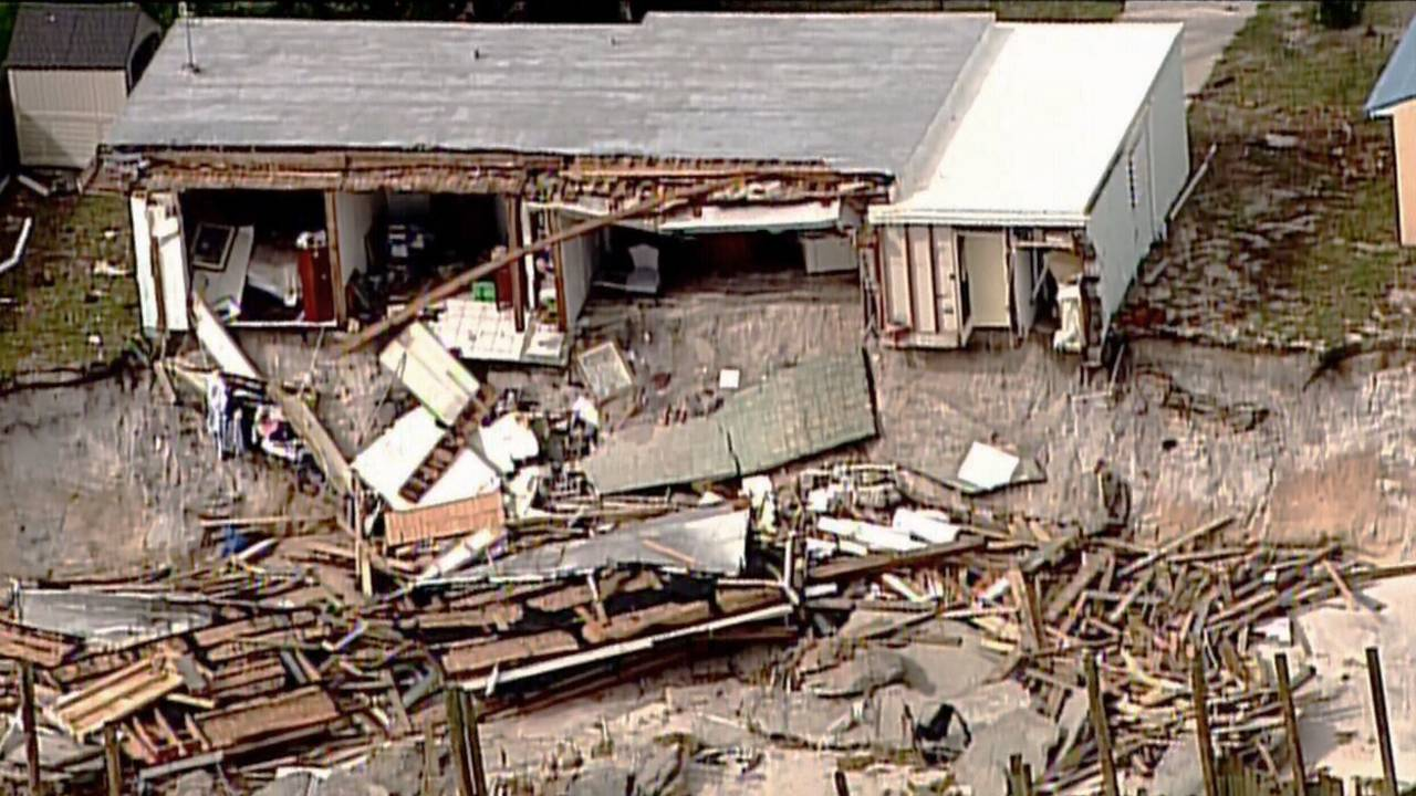 Beach-home-destroyed