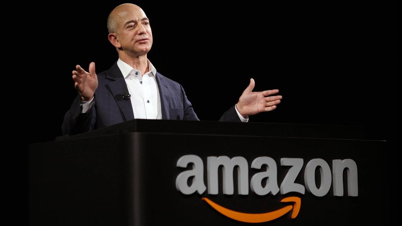 Jeff Bezos CEO Amazon-75042528.jpg87729777