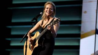 How Jewel found happiness in fame
