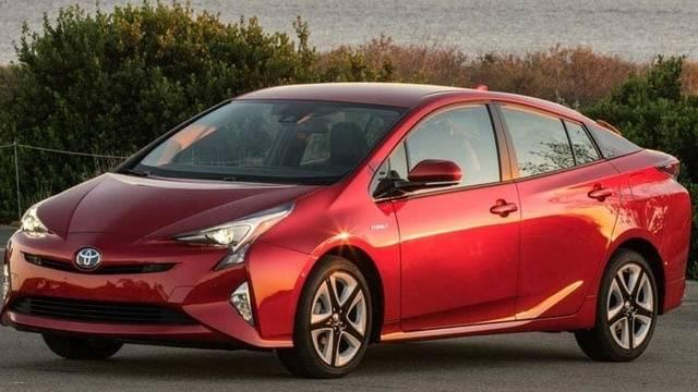 CRM-Cars-Inline-Toyota-Prius-2-18 Cropped_1518630227165.jpg.jpg