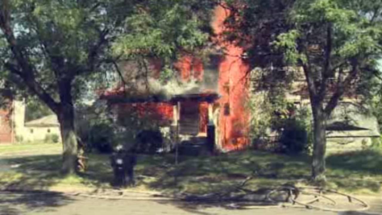 Vacant House Fire 2_34873054