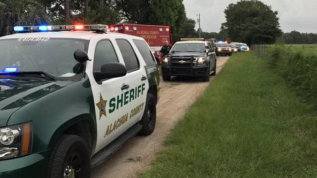 Deputies: 1 in custody after person shot in Alachua County