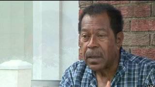 Cameras capture men robbing Vietnam veteran at gunpoint at Detroit home