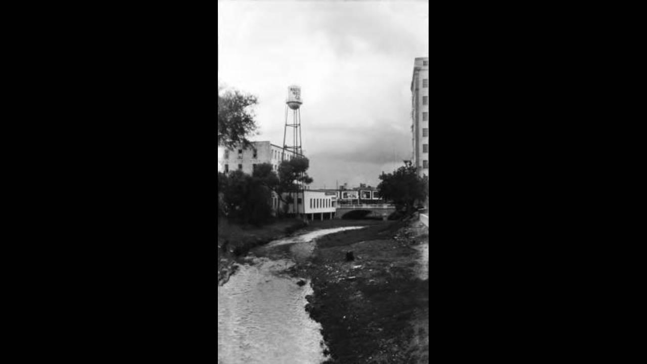 Circa_1929_San_Antonio_River_before_River_Walk_1552666301437.jpg